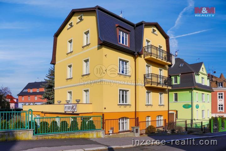Prodej, 1/2 nájemního domu, 455 m2, Karlovy Vary