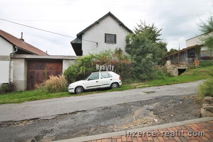 Prodej domu s navazující prostornou kolnou a pozemkem v Novém Rychnově