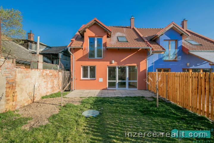 Prodej velmi hezké novostavby domu se zahradou nacházející se v městské části Olomouc - Nemilany.