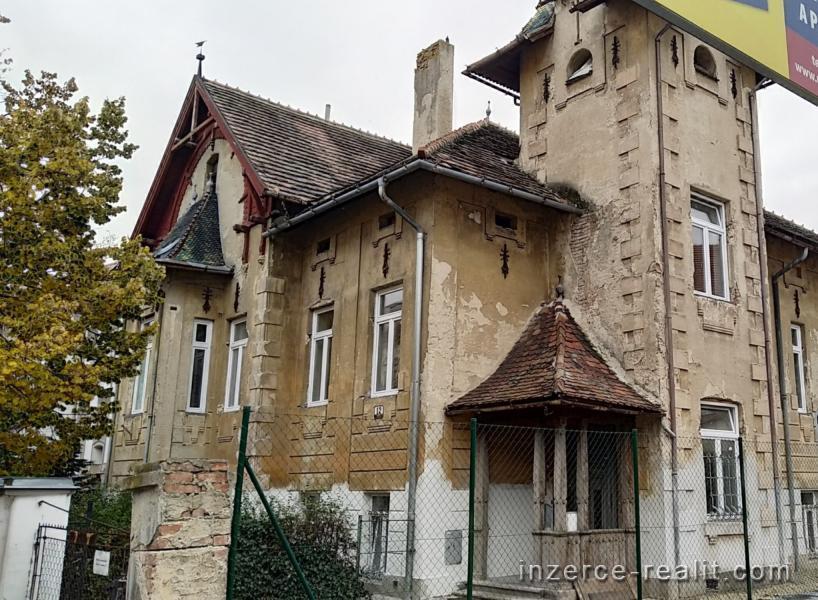 Prodej unikátní historické vily ve Znojmě