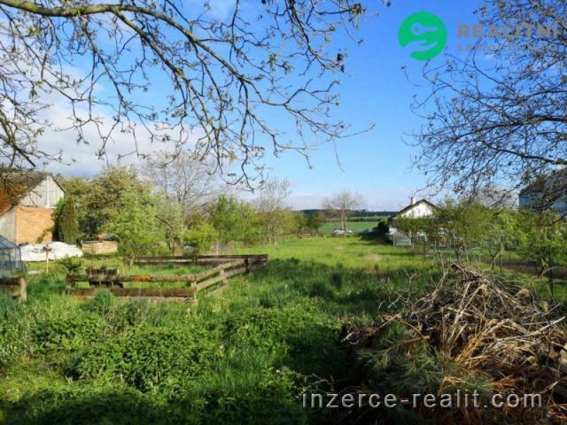 Pozemek v Oseku nad Bečvou, okr. Přerov
