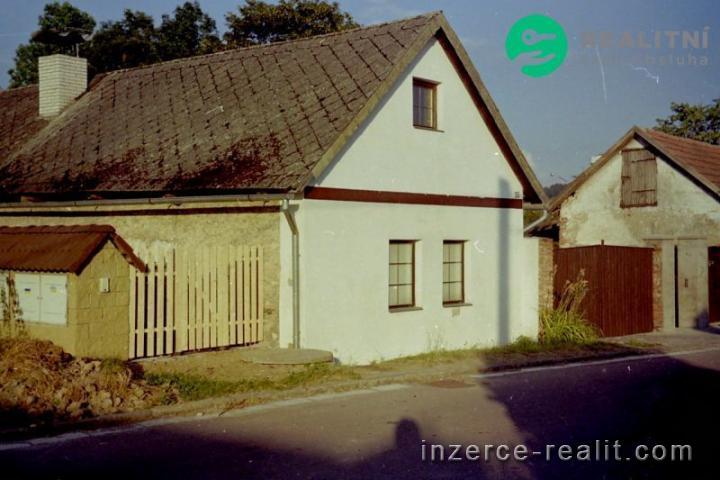 Rodinný dům  v obci Prachovice, Chrudim
