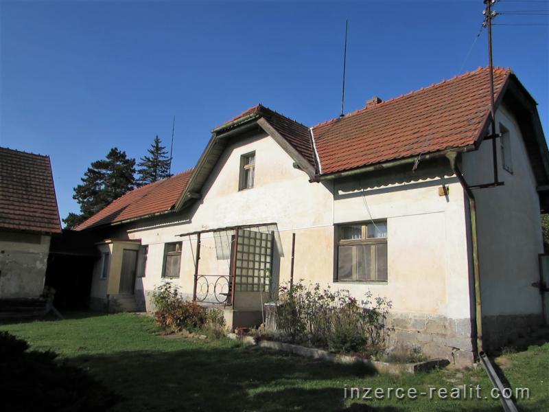Prodej patrového rodinného domu 4+1 s pozemkem