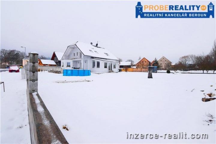 Rohový rovinatý pozemek 994 m2 určený pro bydlení - Kšice u Stříbra, okr. Tachov