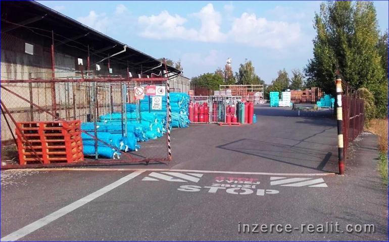Nájem asfaltové PLOCHY 500 m2 až 4.000 m2,  PRAHA 5