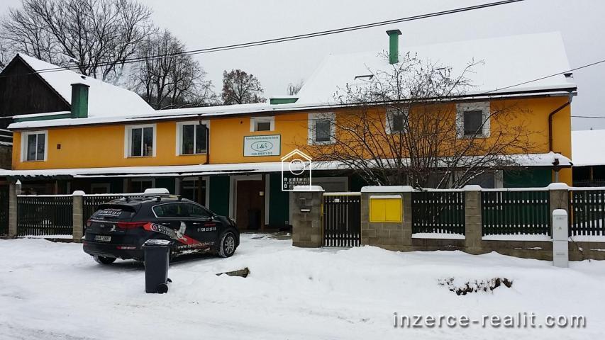 Prodej  truhlářské dílny a rodinného domu s dvěma byty