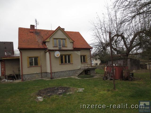 Rodinný dům s vedlejší stavbou v Horažďovicích