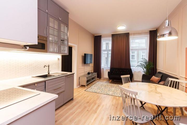 K pronájmu luxusně zařízený byt 3+kk po rekonstrukci, 78m2, sklep, ulice Řehořova